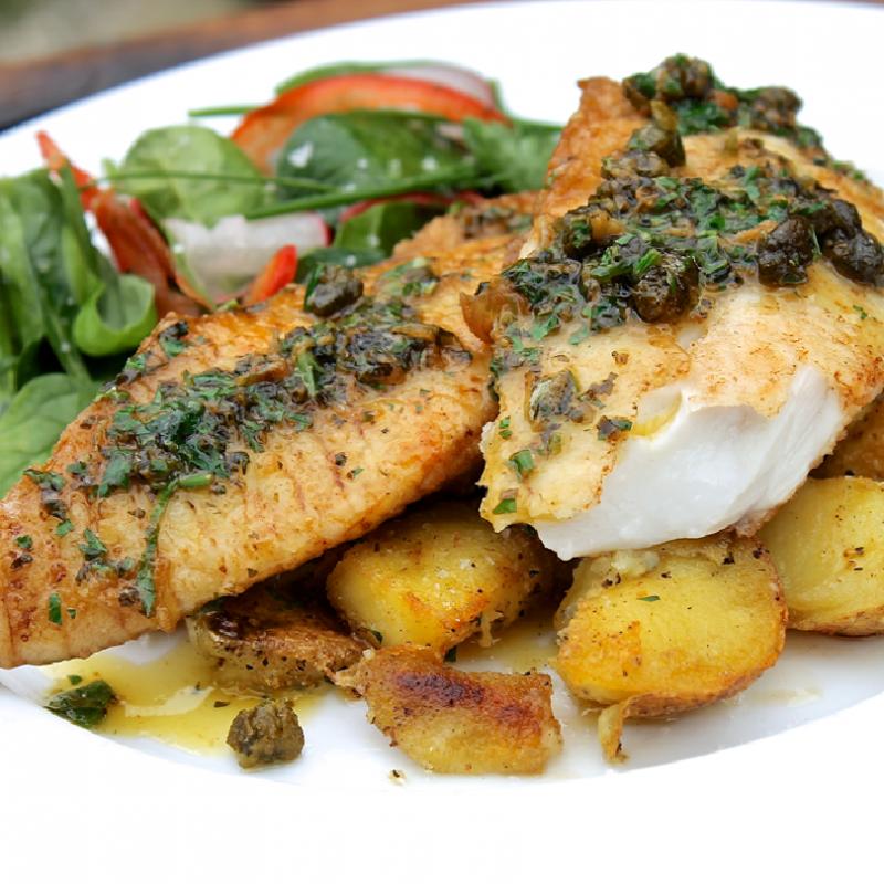Herbs Crusted Baked Sole Fish Fillet w/ Potatoes & Seasonal Vegetable (2 lbs)