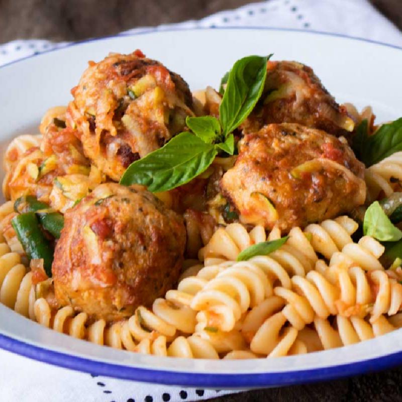 Italian Meat Ball, Basil, Tomatoes Sauce Fusilli Pasta (3 lbs)