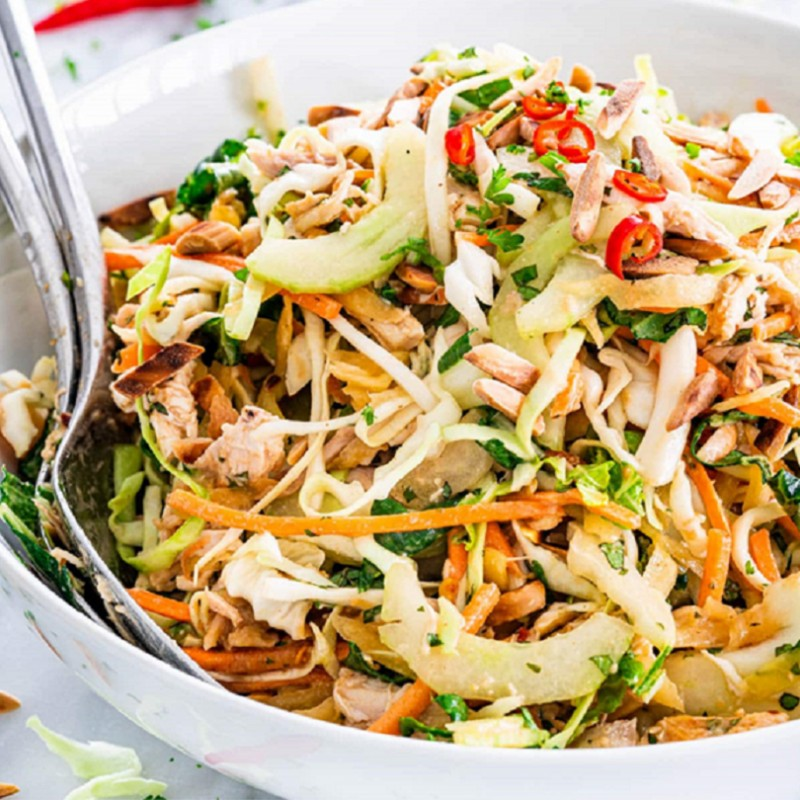 Roasted Chicken w/ Thai Style Green Papaya Salad (4 lbs)